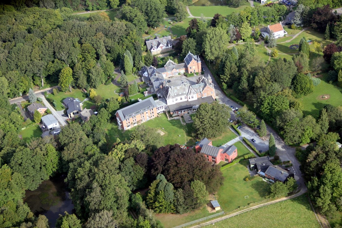 Le Château Roseraie: maison d'accueil pour adultes déficients mentaux
