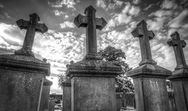 Quel est le rite funéraire qui pollue le plus: inhumation ou crémation?